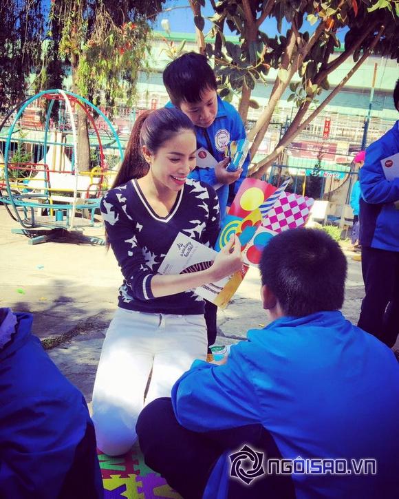 Hoa hậu Việt đi từ thiện 7