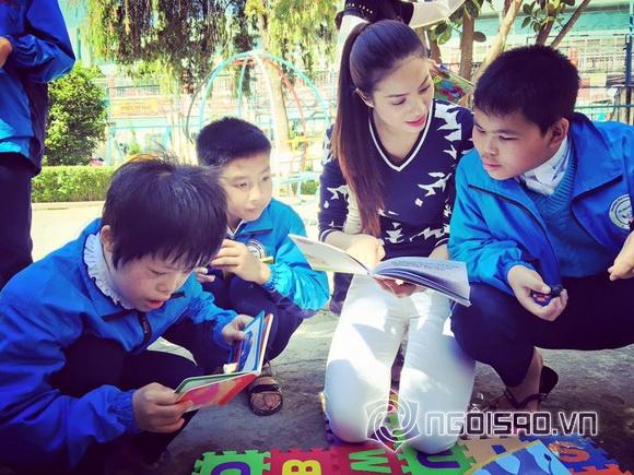 Hoa hậu Việt đi từ thiện 6