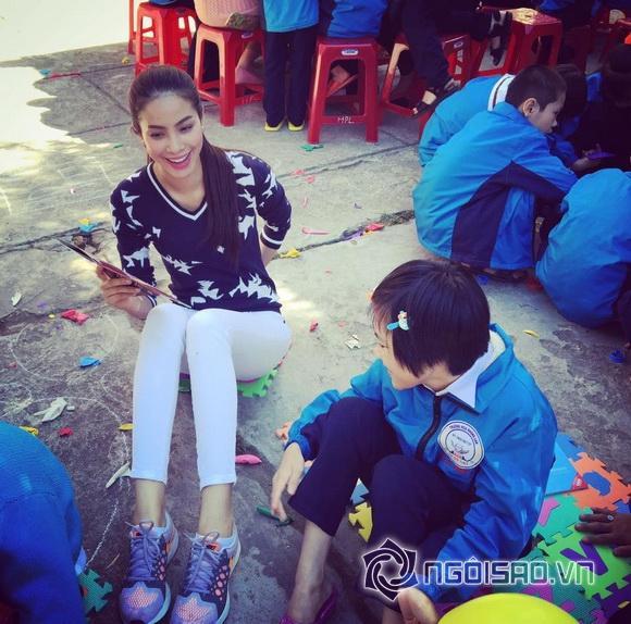Hoa hậu Việt đi từ thiện 4
