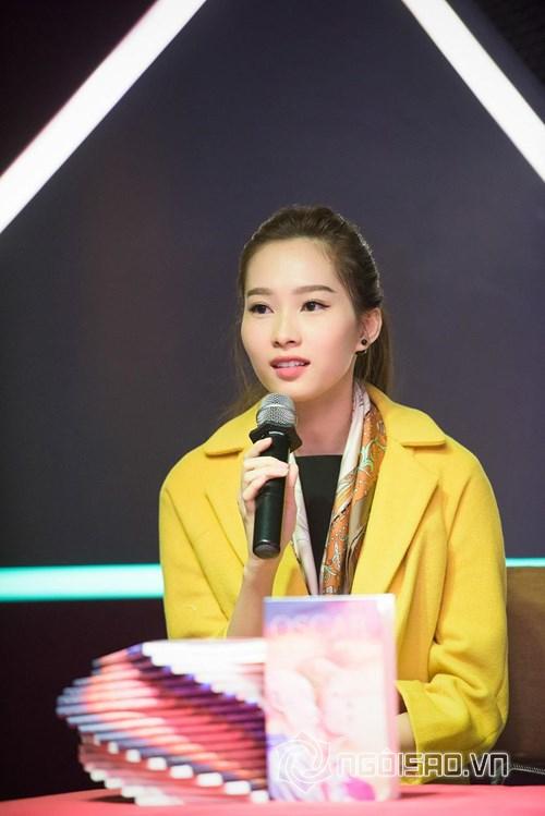Hoa hậu Việt đi từ thiện 1