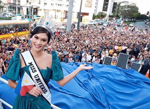 tân Hoa hậu Hoàn vũ,Pia Wurtzbach,cầu vồng xuất hiện trong lễ đón Pia Wurtzbach