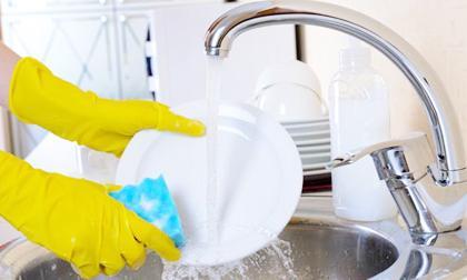 tẩy nấm mốc, loại bỏ vết bẩn phòng tắm, mẹo tẩy rửa nhà