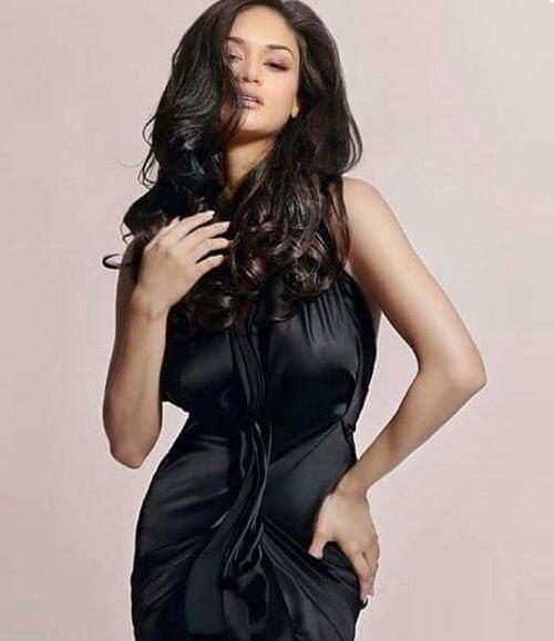 tân Hoa hậu Hoàn vũ,Pia Wurtzbach,tân Hoa hậu Hoàn vũ khoe đường cong gợi cảm