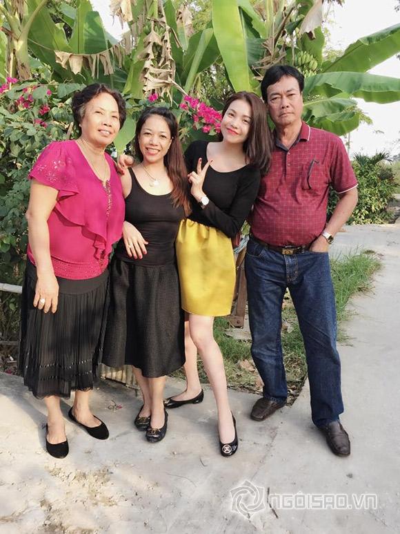 Thời trang đẹp mắt của sao Việt ngày đầu năm  10