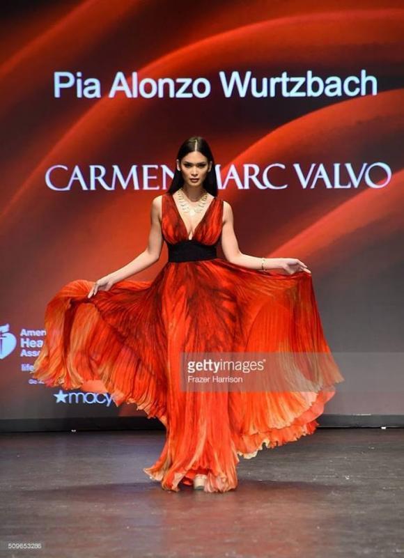 hoa hậu òoàn vũ, pia Wurtzbach , hoa hậu hoàn vũ 2015
