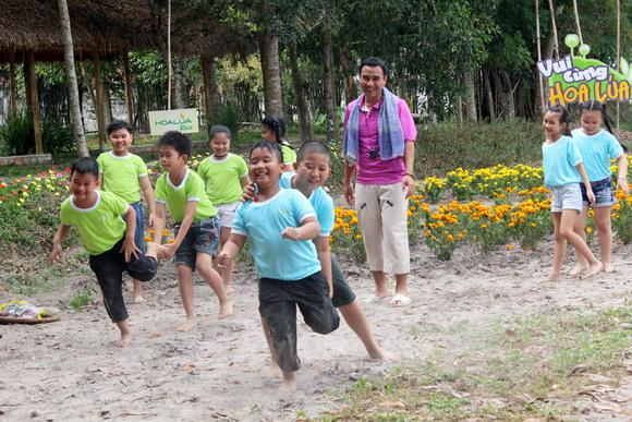 MC Quyền Linh, Vui Cùng Hoa Lúa, Sao Việt