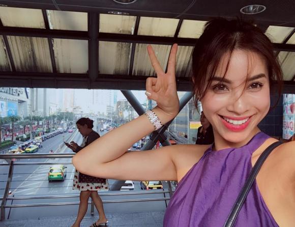 Phạm Hương gầy  1
