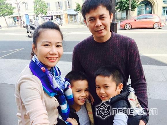 Loạt ảnh Chu Đăng Khoa vẫn hạnh phúc bên vợ con lúc cặp Hà Hồ 6