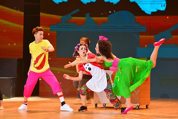 Khánh Thi, Nữ hoàng dancesport, Khánh Thi nức nở với Chí Anh