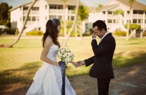 lần đầu thấy vợ mặc áo cưới 7