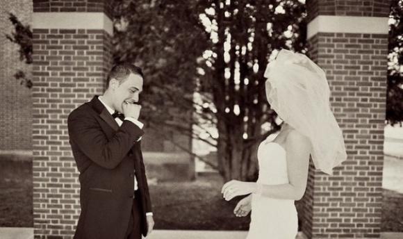 lần đầu thấy vợ mặc áo cưới 11