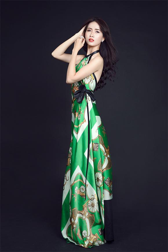 Phan Thị Mơ khoe vai trần gợi cảm sau tin đồn lấy chồng đại gia 8