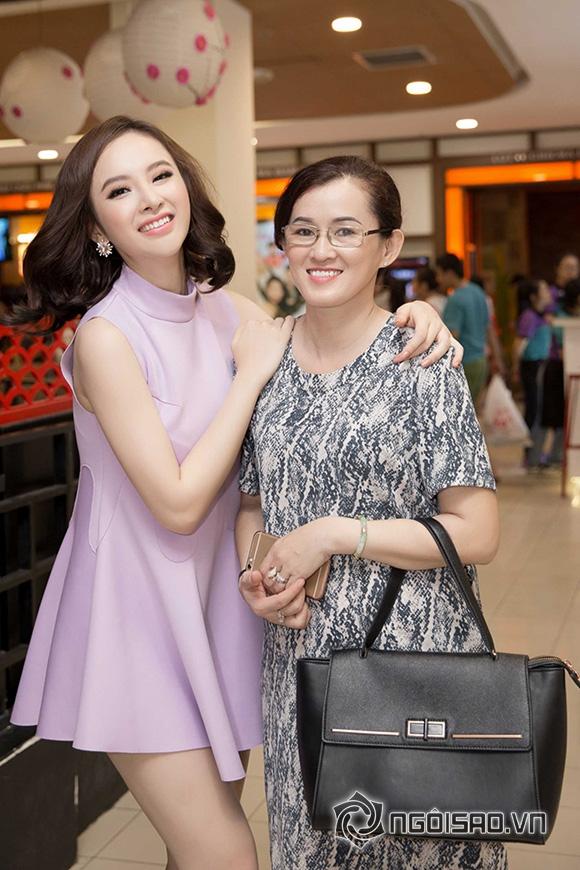Mẹ Angela Phương Trinh thoải mái hơn khi đi cùng con gái 1