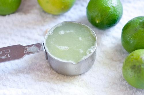 Mụn ở lưng, giấm táo, bột baking soda, trị mụn, nước cốt chanh, tác dụng thanh lọc da, đẩy lùi mụn