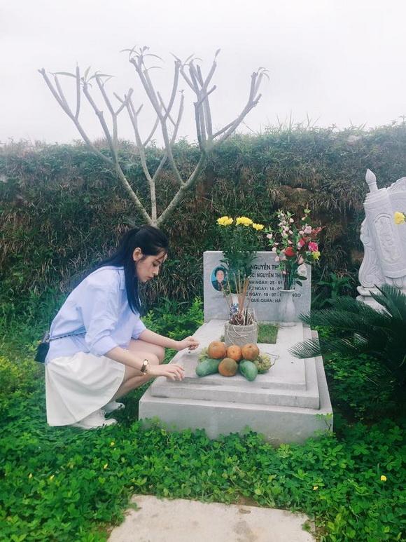 Hotgirl chi pu,chi pu viếng trần lập,nhạc sĩ trần lập