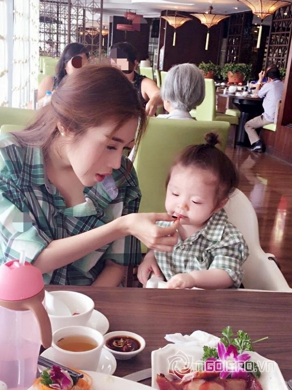 Elly Trần chăm con cực khéo 10
