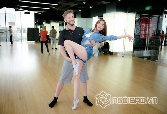 Fan đứng ngồi không yên khi xem Ngọc Trinh lần đầu tập nhảy 11