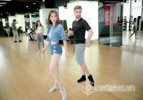 Fan đứng ngồi không yên khi xem Ngọc Trinh lần đầu tập nhảy 17