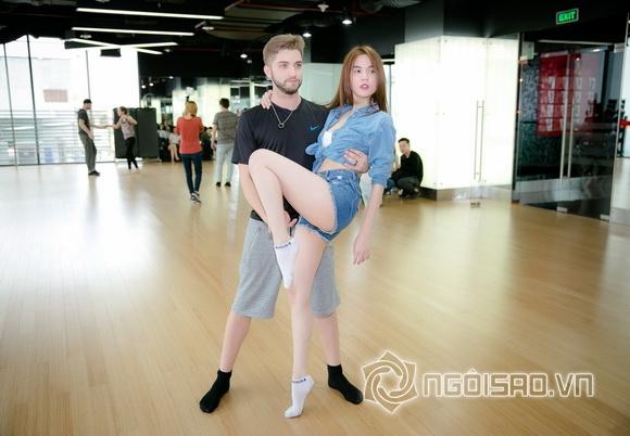 Fan đứng ngồi không yên khi xem Ngọc Trinh lần đầu tập nhảy 10