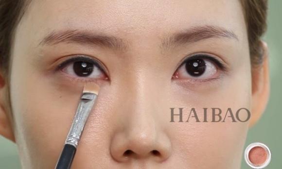 Trang điểm mắt màu cam 4
