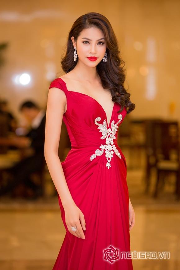 Hoa hậu Phạm Hương được vinh danh Người phụ nữ của năm 3