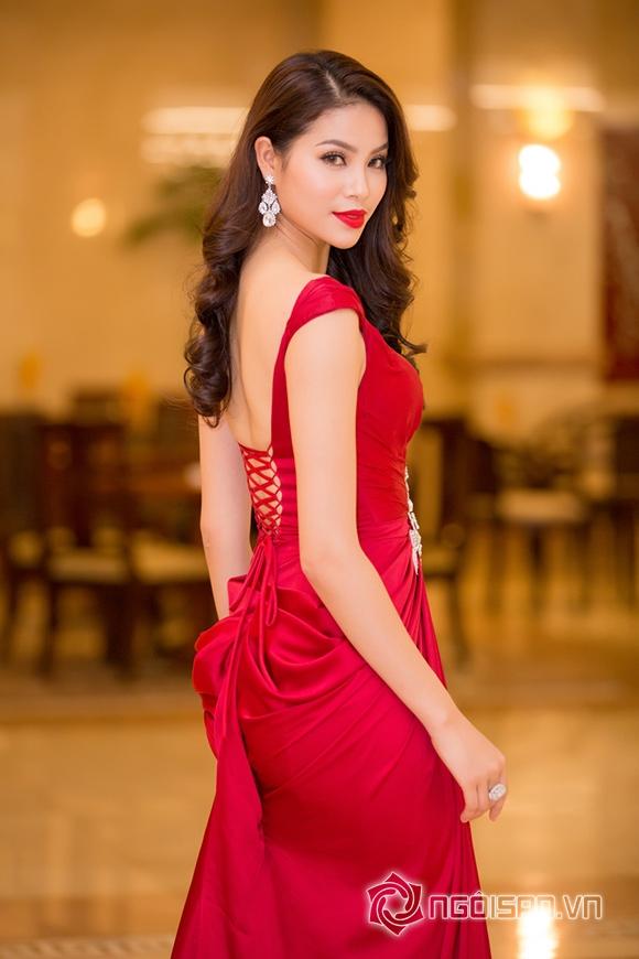 Hoa hậu Phạm Hương được vinh danh Người phụ nữ của năm 4