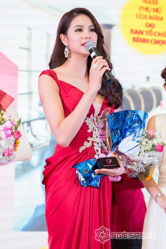 Hoa hậu Phạm Hương được vinh danh Người phụ nữ của năm 6