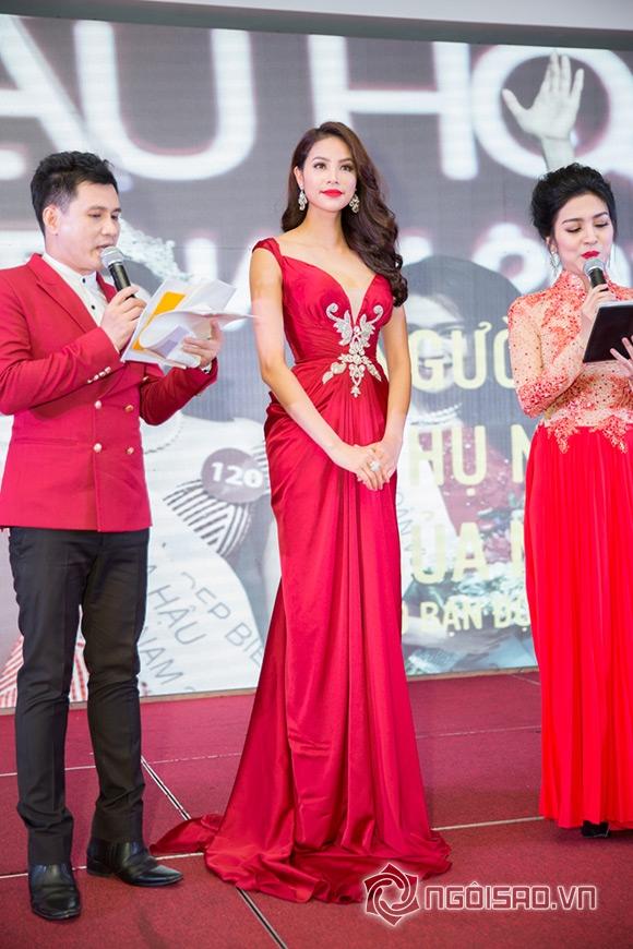 Hoa hậu Phạm Hương được vinh danh Người phụ nữ của năm 8