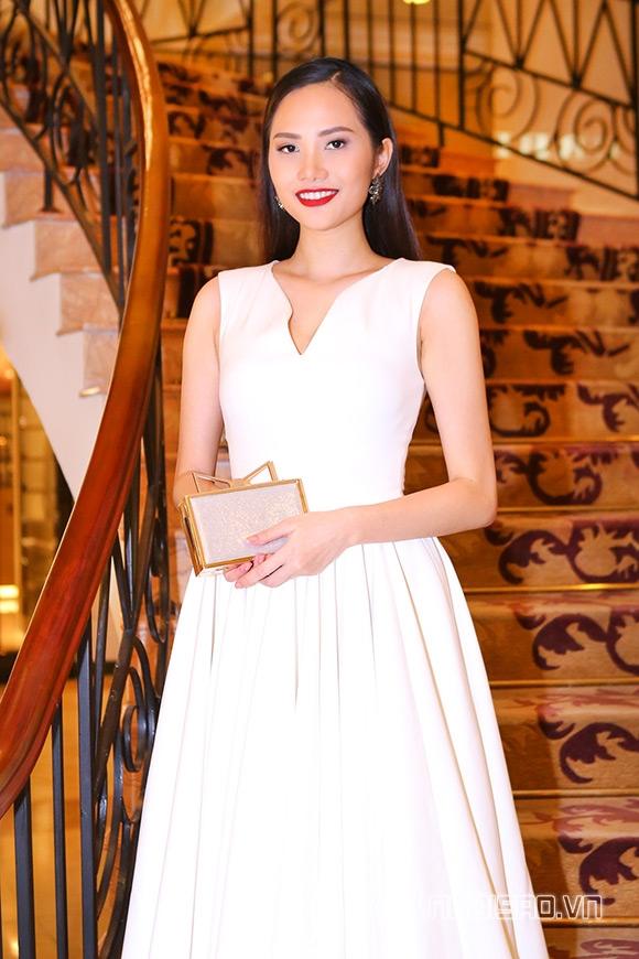 Hoa hậu Phạm Hương được vinh danh Người phụ nữ của năm 13