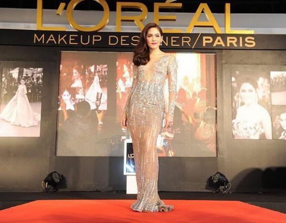 Mỹ nhân Thái Lan Chompoo Araya 'đốt mắt' người nhìn với váy xuyên thấu tại sự kiện 5