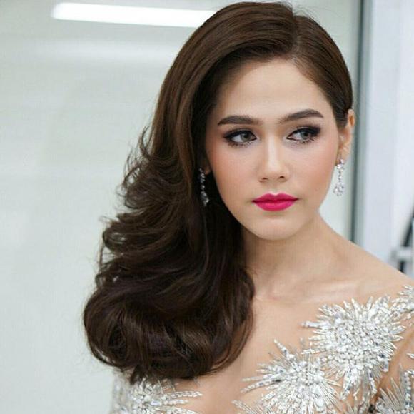 Mỹ nhân Thái Lan Chompoo Araya 'đốt mắt' người nhìn với váy xuyên thấu tại sự kiện 4