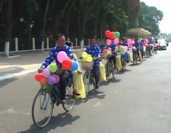 Màn rước dâu độc đáo bằng xe đạp trong đám cưới ở Tây Ninh 3
