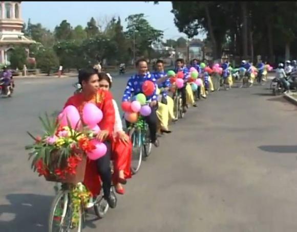 Màn rước dâu độc đáo bằng xe đạp trong đám cưới ở Tây Ninh 5
