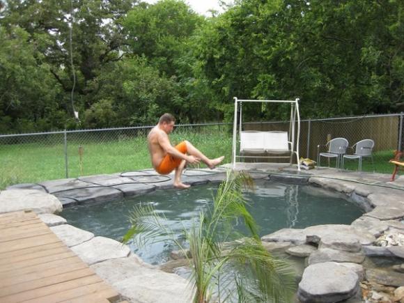 tự tạo hồ bơi, đào hồ trong vườn, tạo hồ bơi cho con, mẫu bể bơi