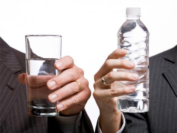mẹ bầu, nước đóng chai, béo phì, trẻ béo phì, chai nhựa, đồ nhựa