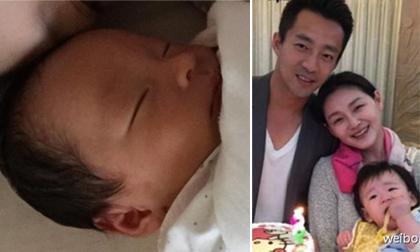 Từ Hy Viên khoe ảnh con trai kháu khỉnh một tuần tuổi