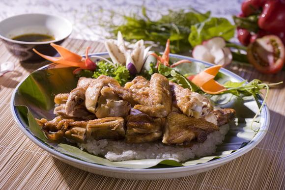 Nhà Hàng Ao-Ta, sinh nhật Ao-Ta, Ẩm thực Việt