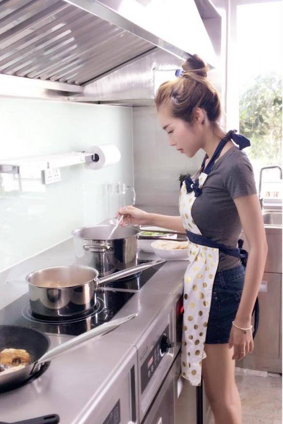 Elly Trần, cuộc sống của Elly Trần, Sao Việt, Đời thường sao Việt