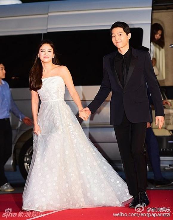 Song Joong Ki và Song Hye Kyo trên thảm đỏ Baeksang 11