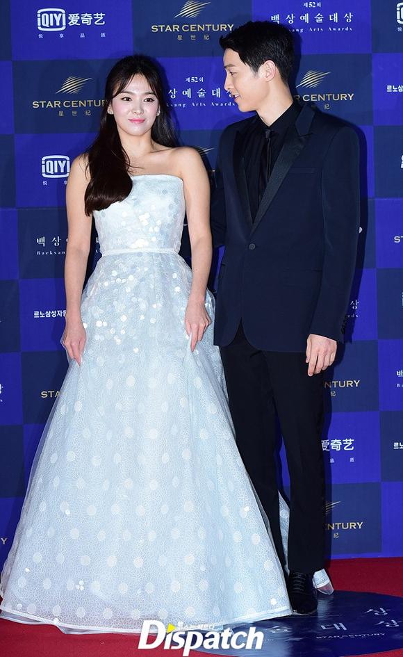 Song Joong Ki và Song Hye Kyo trên thảm đỏ Baeksang 3