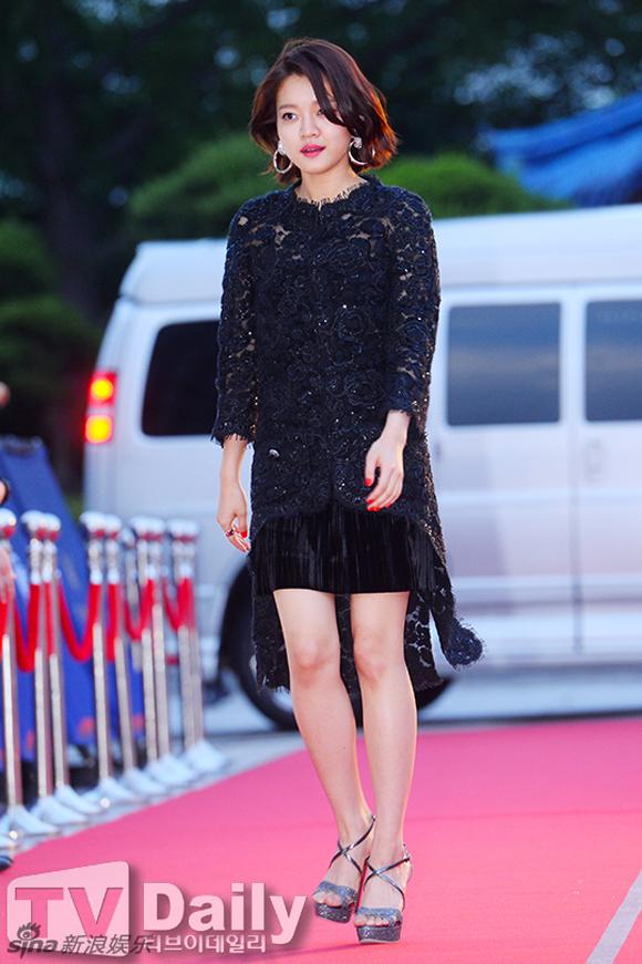 Song Joong Ki và Song Hye Kyo trên thảm đỏ Baeksang 7