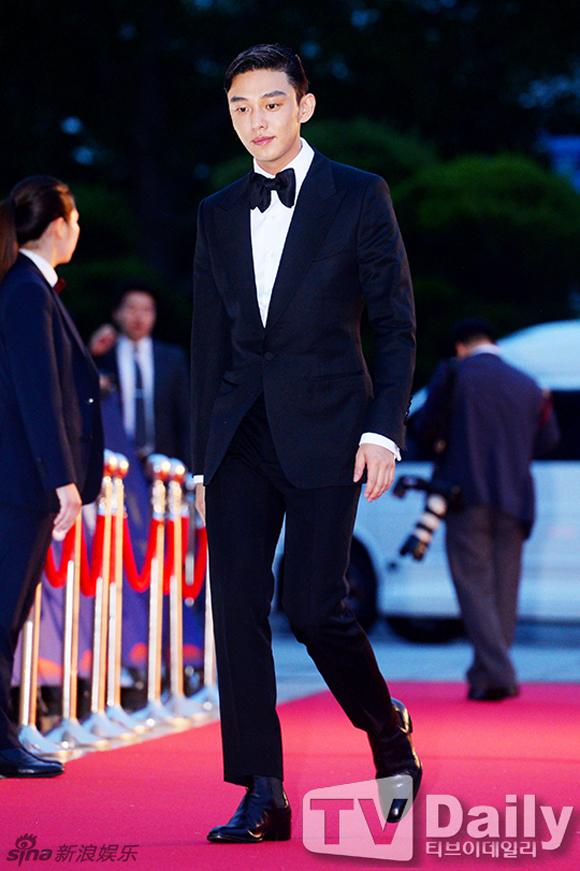 Song Joong Ki và Song Hye Kyo trên thảm đỏ Baeksang 9