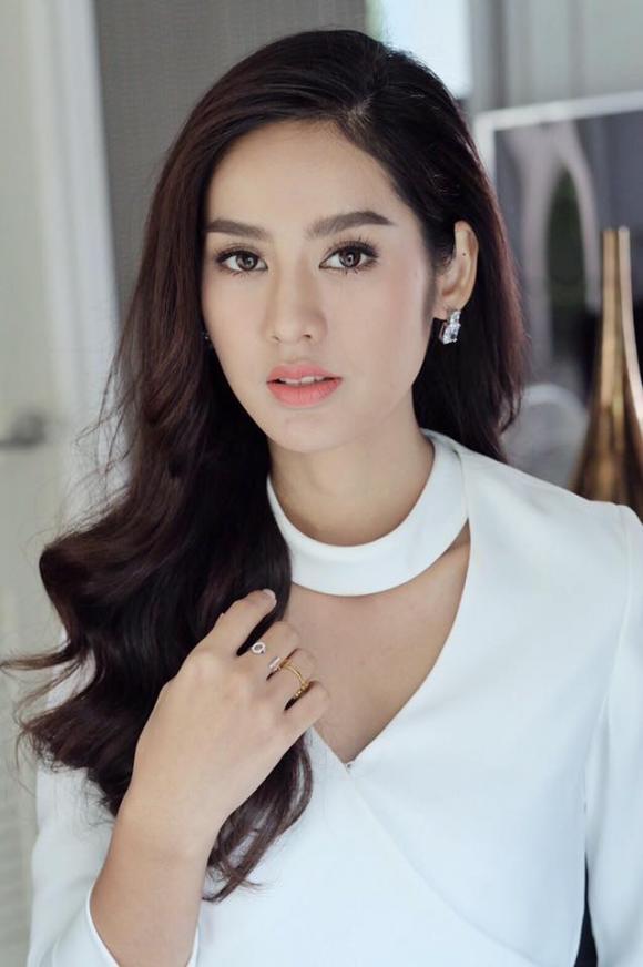 Miss Teen Thai 52