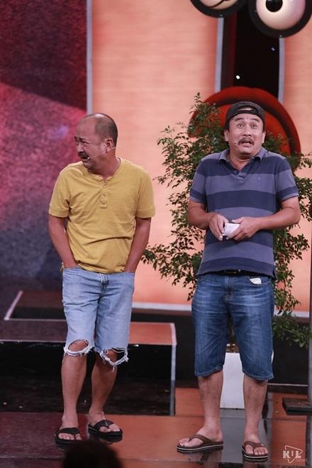 Rơi nước mắt với cảnh nghệ sĩ nổi tiếng sống chui sống nhủi - Ảnh 1.