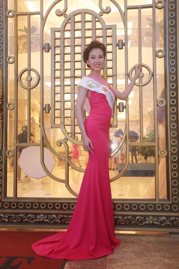 Thí sinh Hoa hậu Bản sắc Việt toàn cầu 1