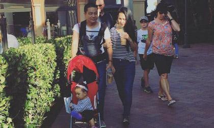 Gia đình Kim Hiền hạnh phúc đi dạo phố