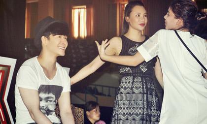 Minh Thư được Nathan Lee và Hồ Quỳnh Hương chọc cười để lấy lại tinh thần
