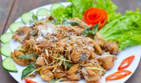 thịt gà rang muối, cách làm thịt gà rang muối, thịt gà rang muối thơm ngon, các món ngon từ thịt gà, cách nấu ăn