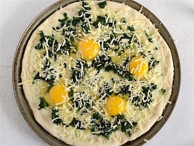 Mày mò học làm pizza trứng cả nhà đều thích