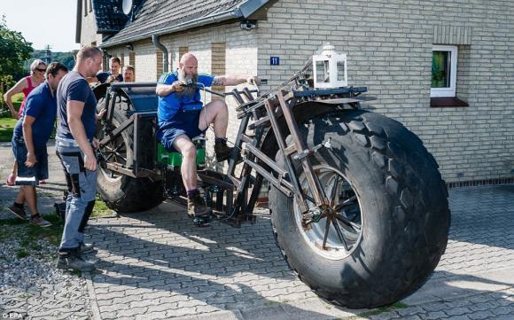 xe đạp nặng gần 1 tấn, xe đạp nặng nhất thế giới, xe đạp, kỷ lục thế giới